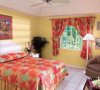 Grand-Pineapple-gardenside-Room