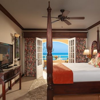 sandals-inn-luxurious-suite